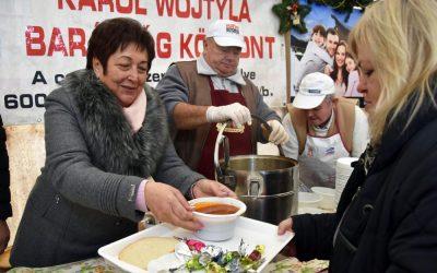 Szilveszterkor is teltház volt a Wojtyla-sátorban